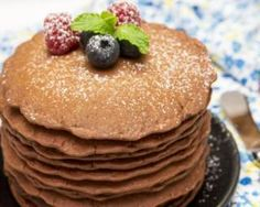 200 Calories, Gingerbread Pancakes, Healthy Snacks, Healthy Recipes, Chocolate Pancakes, Healthy Chocolate, I Love Food, Holiday Recipes, Delish