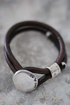 B I S K O P S G Å R D E N .this is one cool bracelet