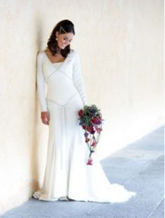 80 Cool and Modern Celtic Wedding Dresses Ideas - VIs-Wed Medieval Wedding, Celtic Wedding, Irish Wedding, Gothic Wedding, Geek Wedding, Fantasy Wedding, Bridal Gowns, Wedding Gowns, Wedding Hair