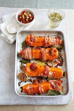 Kürbis mit Bacon, Knoblauch und Lorbeer | http://eatsmarter.de/rezepte/kuerbis-mit-bacon-knoblauch-und-lorbeer