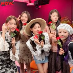South Korean Girls, Korean Girl Groups, Pre Debut, Girls Together, Cube Entertainment, Soyeon, Minnie, Color Themes, Kiss