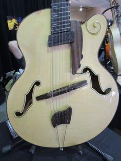 13_PG_GALL_SB_German-Guitars_WEB.jpg