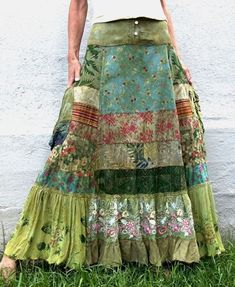 Do you love somebody?cxrDo you love somebody?cxrHippie-Hippie-Chic Bohème-Vibe-Zigeuner-Mode-Indie-Folk-Look Gypsy Style, Boho Gypsy, Bohemian Style, Hippie Boho, Style Hippy, Vintage Bohemian, Sewing Clothes, Diy Clothes, Clothes Patterns