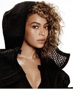 Beyonce for Elle Magazine April 2016 Beyonce 2013, Rihanna, Beyonce And Jay Z, Beyonce Coachella, Curly Hair Styles, Natural Hair Styles, Elle Us, Beyonce Style, Elle Magazine