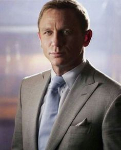 Daniel Craig-This is my Favourite suite on him. Tom Ford of course. Rachel Weisz, Daniel Craig James Bond, Jet Set, Hot British Actors, Daniel Graig, Best Bond, Gentleman Style, Looks Style, Role Models