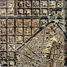 "El Ensanche ""L'Eixample"" rev, Barcelona Sights, Barcelona Catalonia, City From Above, Barcelona Architecture, City Layout, New Urbanism, Urban Fabric, Design Theory, Paris City"