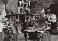 Le_Corbusier_in_his_studio_Paris_1961