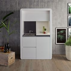 Kitchoo kitchen design for small spaces and micro apartments - Home Decorating Trends - Homedit Small House Interior Design, Small Space Design, Office Interior Design, Small Spaces, Kitchenette Ikea, Kitchenette Design, Small Apartment Kitchen, Basement Kitchen, Small Kitchens