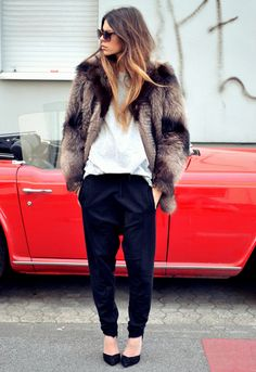 Be inspired by how the #Blogger #MajaWyh styles her clothes #streetstyle