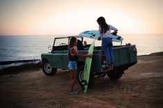 An Eyeful Of Two Gorgeous Girls And Their Vintage Land Rover - Airows Coventry, Range Rover Off Road, Automobile, Beach Cars, Land Rover Defender, The Great Outdoors, Landing, Jeep, Cool Photos