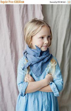 BLUE LINEN Shawl, Girl Fashion, Hand Made Shawl, Girl Clothing, Natural Linen, Natural Shawl