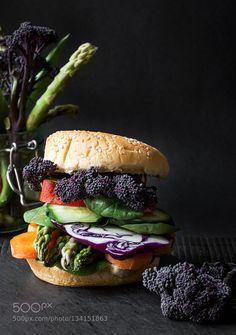Pic: Vegan burger with fresh vegetables