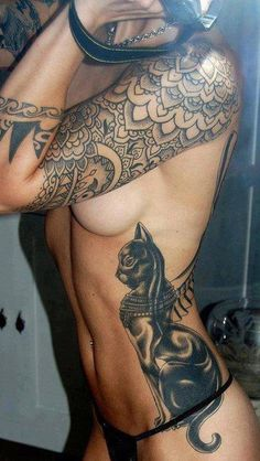 Love the overlapping lacey look on this tattoo sleeve. Gorgeous!