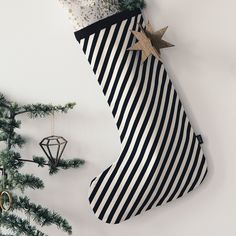 Ferm Living Weihnachtsstrumpf, black stripe