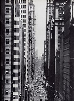 NYC. Lower Broadway in 1948. // Fuckyeahvintage-retro
