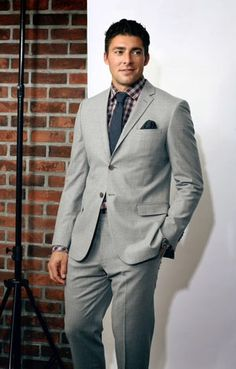 The most stylish NHLer Hockey Rules, Toronto Maple Leafs, Hockey Players, Pretty Face, Role Models, Beautiful People, Winter Fashion, Suit Jacket, Blue And White