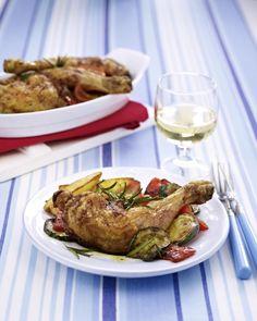 Unser beliebtes Rezept für Gebackene Hähnchenkeulen mit Ofen-Kartoffeln und mehr als 55.000 weitere kostenlose Rezepte auf LECKER.de.
