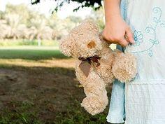 ¿Cómo ayudar a un niño a afrontar la muerte de un ser querido? - YouTube
