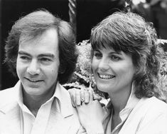 American singer-songwriter Neil Diamond with actress and singer Lucie Arnaz, his co-star in the film 'The Jazz Singer', circa Get premium, high resolution news photos at Getty Images Neal Diamond, Diamond Girl, Lucie Arnaz, The Jazz Singer, Ron Woods, Desi Arnaz, John Denver, Music Promotion, Lucille Ball