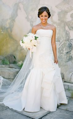 Tamara Mowry at her weeding dress Celebrity Wedding Dresses, Celebrity Weddings, Bridal Gowns, Wedding Gowns, Dream Wedding, Wedding Day, Elegant Wedding, Wedding Bride, Wedding Ceremony