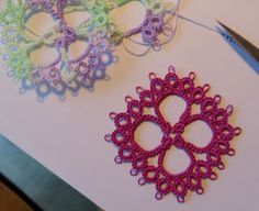 Blog with links to tatting ideas and some patterns