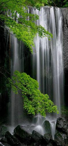 // Les Paysages Asiatiques / Tatsuzawa Fudoh Falls, Fukushima, Japan