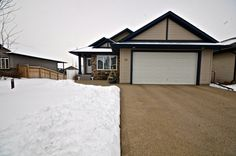 Red Deer, Bungalow, The Neighbourhood, This Is Us, Concept, Space, Outdoor Decor, Green, Home Decor