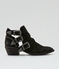 7be31a3a400f 354 Best Shoes images in 2019