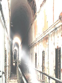 Eastern State Penitentiary - This is a light anomaly caught on film. Since this place is incredibly haunted, I have little doubt this is paranormal. Real Ghost Photos, Ghost Images, Ghost Pictures, Spooky Places, Haunted Places, Haunted Houses, Paranormal Pictures, Best Ghost Stories, Spirit Ghost