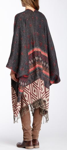 Poncho blanket - this would be amazing to cozy up with