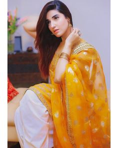 Hareem Farooq (@hareemfarooq) • Instagram photos and videos Pakistani Formal Dresses, Shadi Dresses, Pakistani Party Wear, Pakistani Wedding Dresses, Pakistani Dress Design, Indian Dresses, Bridal Dresses, Max Dresses, Hareem Farooq