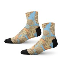 Cool socks with Jellyfish and Shells Retro print! Crazy Socks, Cool Socks, Animal Print Socks, Retro Print, Sock Animals, Novelty Socks, Jellyfish, Shells, Cool Stuff