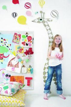 Hoy te damos algunas ideas de como decorar una habitación infantil. Empezamos con una habitación de recien nacido y continuamos para niños entre 4 a 9 años.