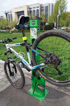 DoR (Decât o Revistă)  » Stația de biciclete