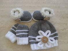 Knitting Pattern Baby Hat, Booties & Mittens Set - Quick Easy Makes Three Sizes - *pattern $5