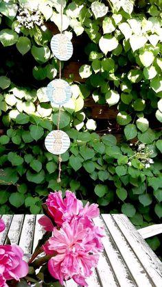 Summer Deco, Diy Garland, Cardboard Crafts, Summer Recipes, Wind Chimes, Stone, Outdoor Decor, Home Decor, Garlands