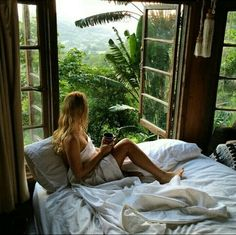 room with a view. Living somewhere tropical is my dream Relax, My New Room, Santa Monica, Travel Inspiration, Style Inspiration, Places To Go, Beautiful Places, Beautiful Dream, Sweet Home