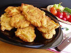 A család kedvence a rántott hús, ezért folyton új receptekkel próbálkozom, de ez annyira bejött, hogy nem tudok eleget sütni belőle! Hozzávalók: 50 dkg csirkemell[...] Meat Recipes, Gourmet Recipes, Chicken Recipes, Cooking Recipes, Good Food, Yummy Food, Tasty, Just Eat It, Hungarian Recipes