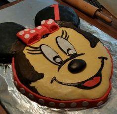 "meine über 50 cm ""HALAL"" Minnie Mouse  Fondant Torte"