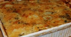 Potato bake is a must have at any braai and this potato bake recipe is great just as it is or you can add, like I often do, tasty little ext. Braai Recipes, Vegetarian Recipes, Creamy Potato Bake, South African Recipes, Ethnic Recipes, Potato Dishes, Dinner Sides, Light Recipes, Raw Vegan