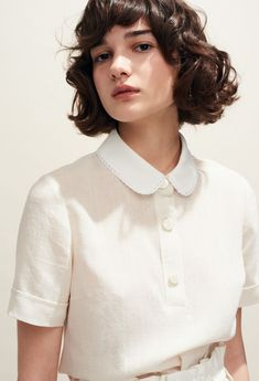 Discover the tops and shirts (printed shirt, Peter Pan collar top, etc.) from the Claudie Pierlot Spring-Summer 2018 Collection, available on the official online store. Classy Outfits, Pretty Outfits, Vintage Outfits, Cute Outfits, Vintage Fashion, Peter Pan Collars, Fashion 2020, Paris Fashion, Minimal Fashion