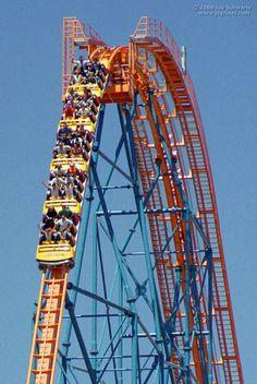 Goliath roller coaster at Six Flags Magic Mountain