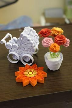 Today, I'm doing miniature crafts - Quilling Paper Crafts Quilling Tutorial, 3d Quilling, Paper Quilling Patterns, Origami And Quilling, Quilled Paper Art, Quilling Paper Craft, Diy Paper, Quilled Roses, Paper Crafting