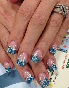 30 Trending Nail Arts For 2018 nageldesign holiday nails gel French Nail Designs, Pretty Nail Designs, Winter Nail Designs, Christmas Nail Designs, Nail Art Designs, Nails Design, Xmas Nails, Holiday Nails, Christmas Nails 2019