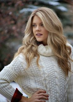 Pretty hair, long layers, just different color