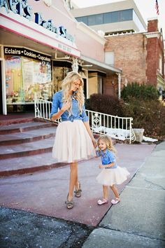 HE Hello Enjoy Mother daughter dresses clothes 2017 family matching outfits fashion long-sleeved denim shirt + tutu skirt Fashion Kids, Little Girl Fashion, My Little Girl, My Baby Girl, Mom And Baby, Style Fashion, Mother Daughter Outfits, Mommy And Me Outfits, Future Daughter