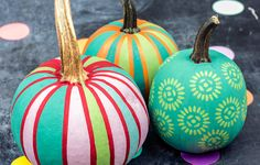 DIY Chalk Paint Mini Pumpkins using FolkArt Home Decor Chalk