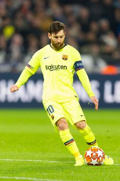 Lionel Messi of Barcelona controls the ball during the UEFA Champions. Football Icon, Adidas Football, Football Players, Barcelona Pictures, Fc Barcelona Wallpapers, Lionel Messi Wallpapers, Lionel Messi Barcelona, Soccer Poster, Messi 10