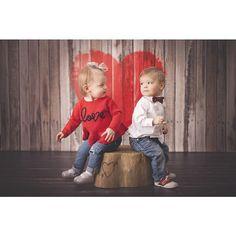 Bubblegum Backdrops - valentine backdrop - photo prop - heart wood - mini session