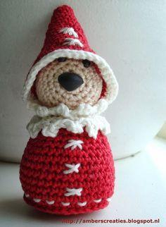 Bit of Color: Pattern Mini Santa Crochet Christmas Ornaments, Holiday Crochet, Christmas Knitting, Christmas Crafts, Xmas, Crochet World, Crochet Toys, Crochet Baby, Knit Crochet